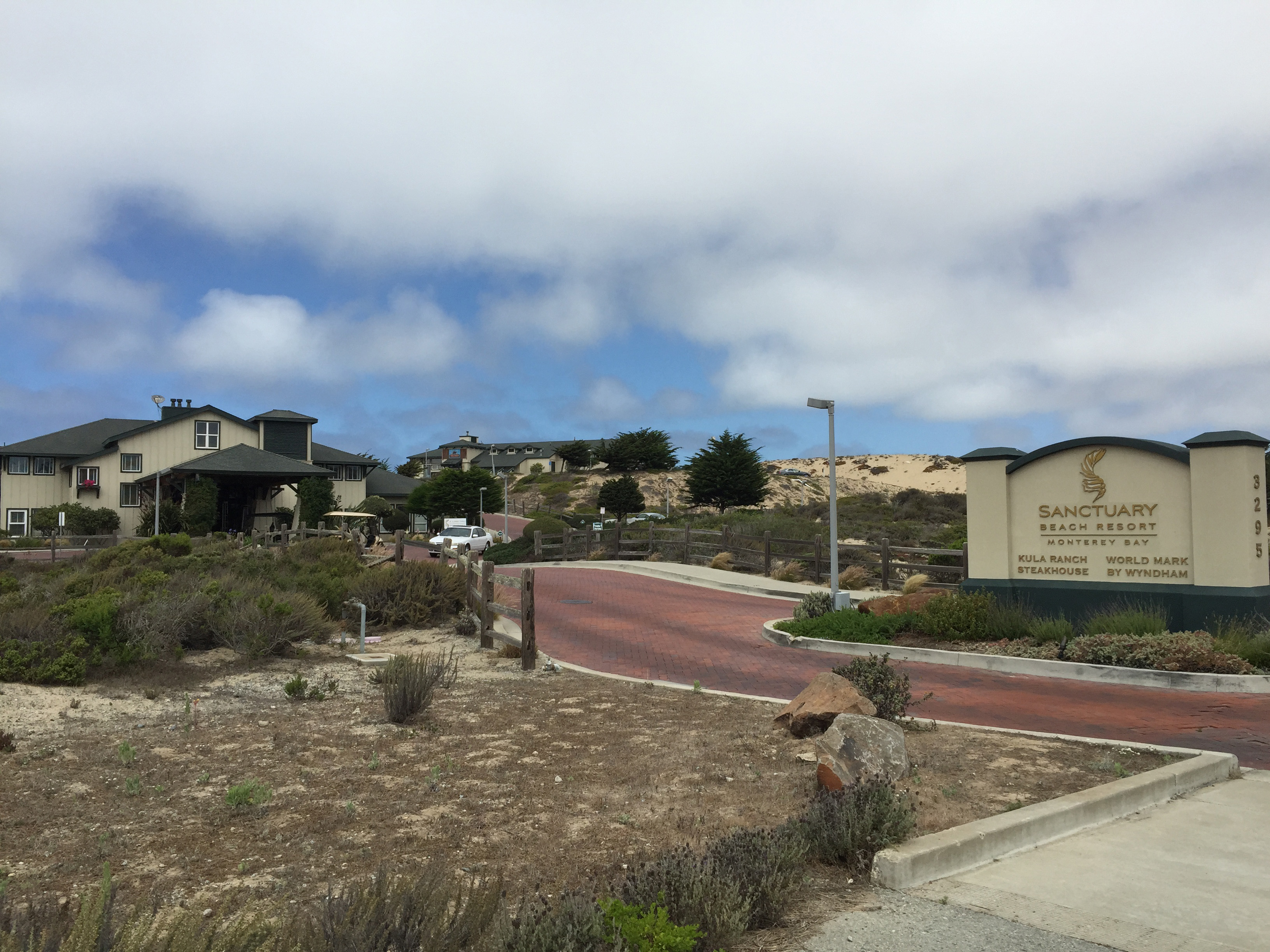 Sanctuary Beach Resort on Monterey Bay , Ca, Environmentally Friendly with Large Pool and Beach Access